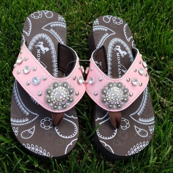 c4ddc291781b40 Montana West Crystal Flip Flops